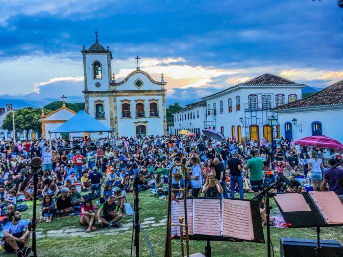 Música, trabalho e paciência | Bourbon Festival Paraty 10 anos